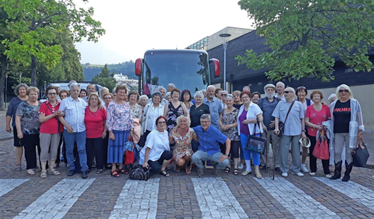 Vacanze assistite per 86 anziani meranesi - La voce di Bolzano