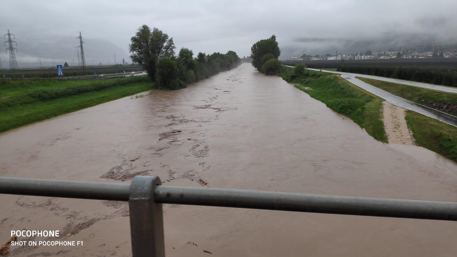 Maltempo, evacuati due paesi in Alto Adige: chiusa la linea del Brennero